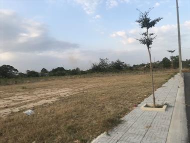 Đất thổ cư Sổ hồng riêng có sẵn giá chỉ 7tr/m2 Liền kề Siêu đô thị VINGROUP - LH: 0936585843Ms Tiên