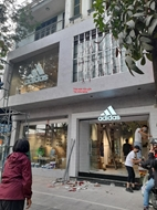 Bán nhà mặt phố Chùa Bộc Đống Đa 150m MT 7m mặt phố kinh doanh VIP.