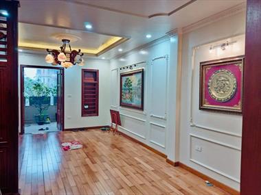 Bán Nhà Mặt phố Cát Linh, quận Đống Đa, 60m 5T, vỉa hè KD, giá 28 tỷ 5. LH 0349157982.