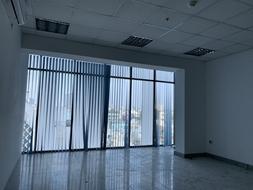 Cho thuê văn phòng 50m2 view kính, đường CMT8, Phường 11, Quận 3