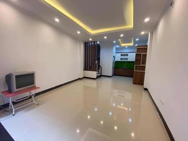 Bán nhà Ngô Gia Tự_Long Biên diện tích 50m2 giá siêu rẻ:2,9 tỷ.