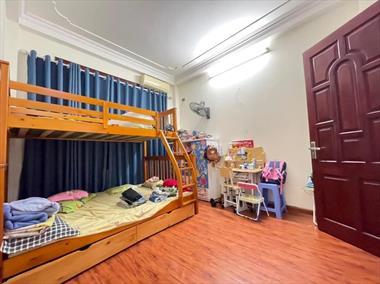 Siêu rẻ, có 102: nhà nguyễn trãi đẹp lung linh, 5 tầng, giá chỉ 2.3 tỷ