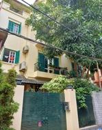 Cần bán căn biệt thự, đường Phú Gia, Tây Hồ. MT 8m. Diện tích 188.5m2. Giá 13,7 tỷ (TL)