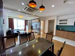 Bán căn hộ chung cư cao cấp Công viên Cầu giấy - Star Tower 158m2 có 4pn - 3wc giá 4.7 tỷ
