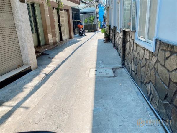 Nhà bán Huỳnh Tấn Phát, Quận 7. Kế bên khu Nam Long. 76m2, 5 tỷ.