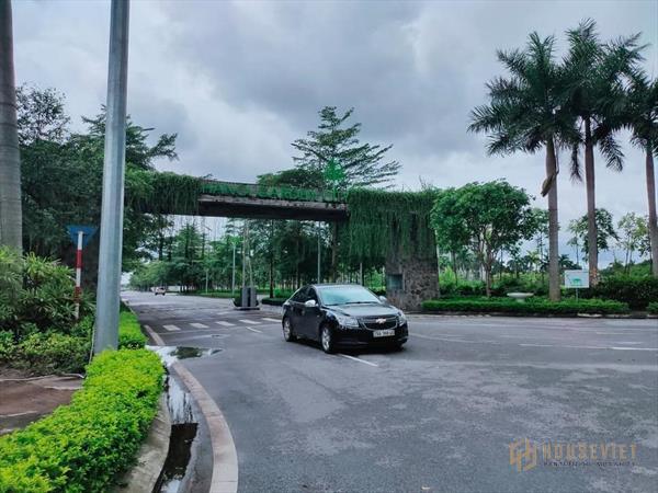 Bán gấp nhà Thạch Bàn, Long Biên, Dt 144m2, 3 tầng, mặt tiền 8m, 13.3 tỷ, 0984864846