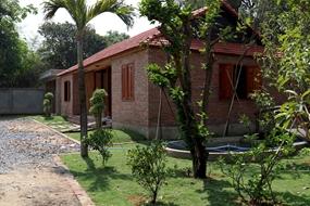 Bán ngôi nhà gỗ nghỉ dưỡng view sông và đảo Đại Phước Lotus được thiết kế chuẩn 5*