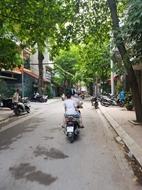 Nhà phân lô, ô tô tránh vỉa hè Hoàng Văn Thái 80m 5 t 8.8 tỷ