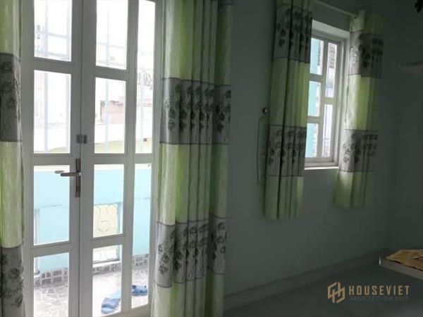 Nhà 2Tầng,3PN ngay Vincom Nguyễn Xí,BT,5x13.5 67m2 công nhận đủ,Ngộp bán 4.9 tỷ