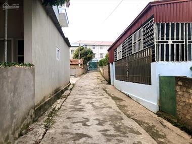 Gia đình cần bán gấp 491m2 đất có nhà C4 tại tiểu khu bệnh viện 2 - Thị trấn Nông Trường Mộc Châu