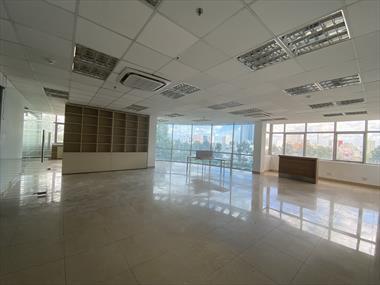 Cho thuê sàn văn phòng view kính 150m2 đường Hoàng Sa, Quận 1