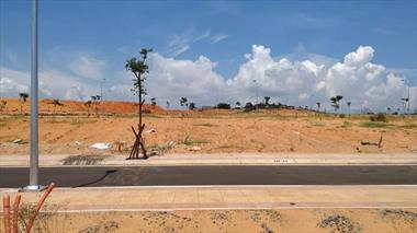 Tôi cần bán gấp lô 2 mặt tiền view biển DA Sentosa Villa giá 13 triệu/m2/250m2