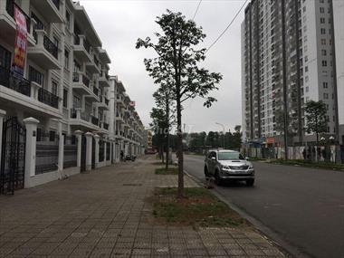 Cho thuê nhà Linh Đàm Hoàng Mai, dt 100m x 4t, mt 6m nhà mới đẹp giá 25 triệu