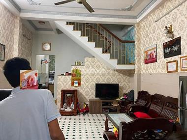 Bán Nhà 647/10 Lạc Long Quân, TB. DT4,4 x 13,5m. 60m2.