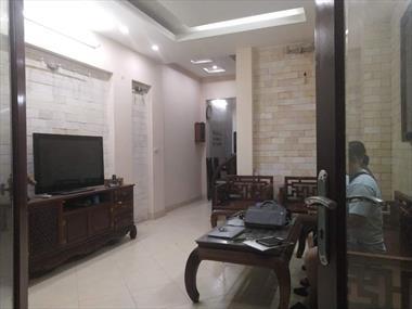 Nhà đẹp ở ngay – Tặng toàn bộ nội thất đắt tiền – đi bộ sang Royal city – 4.5 tỷ