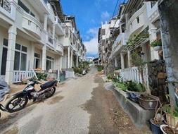 Nhà đất đà lat:cần bán nhà khu anada p8, đà lạt gần ubnd phường, ngân hàng, ... an ninh cực tốt