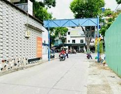 Bán nhà hẻm 51 Cao Thắng, P3, Q3 DT: 3.77m x 9m Nở hậu 4m Trệt 2 lầu